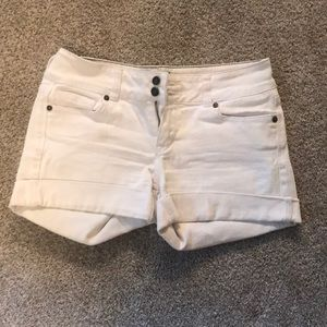White Shorts | Delia's Bailey